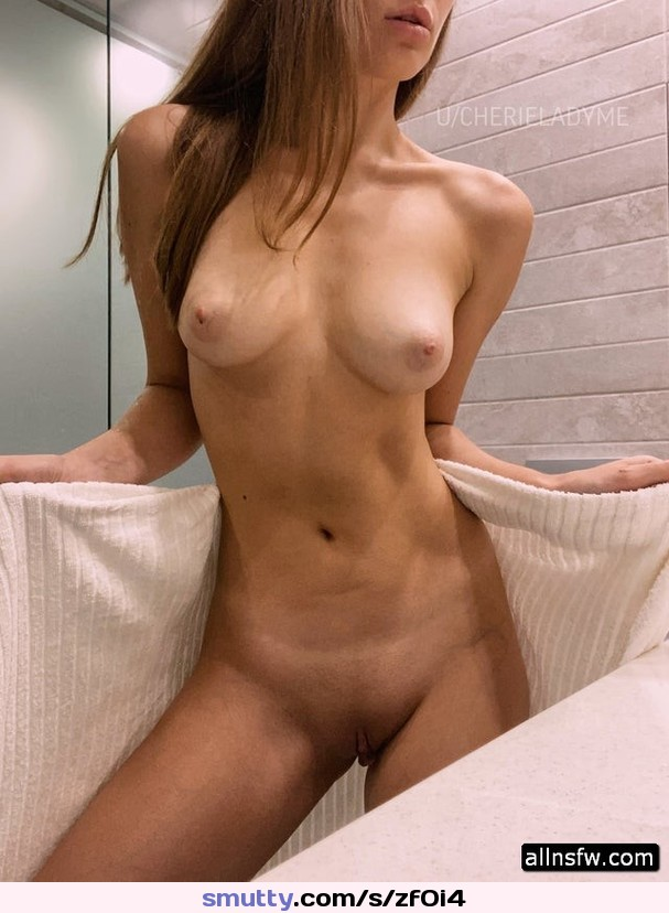 gril with pussy pumped